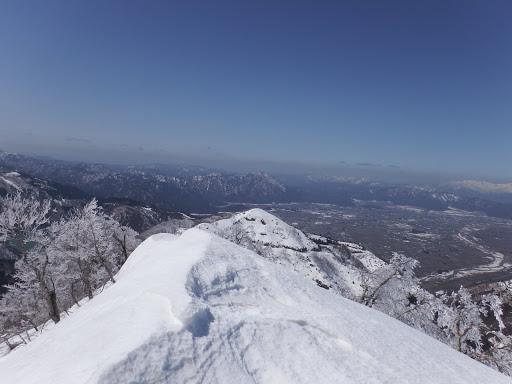 1209mピークからモッカ谷山を望む