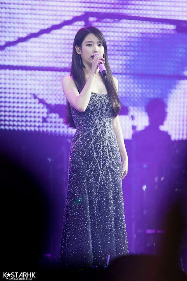 iu black dress 34