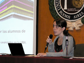 Photo: Lucia Maillo at the University of Belgrano: presenting the color day