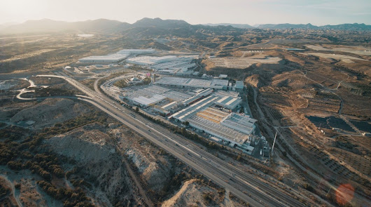 Cosentino recibe luz verde para el mayor parque solar de autoconsumo de España