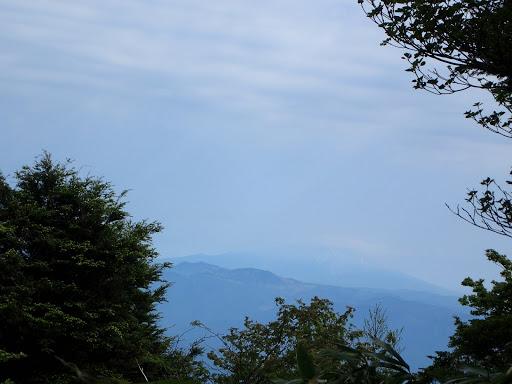 薄っすらと木曽御嶽山