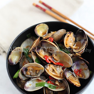 Taiwanese-style Clams Recipe (台式炒蛤蜊)
