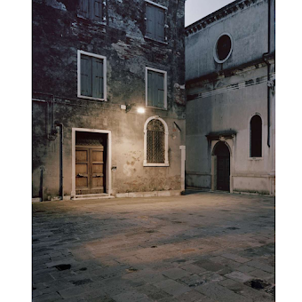Giovanni Cocco, At what time does Venice close 7
