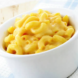 Creamy and Easy Slow Cooker Macaroni and Cheese.