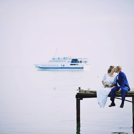 Wedding photographer Anatoliy Docenko (anatoliydcn82). Photo of 19.10.2017