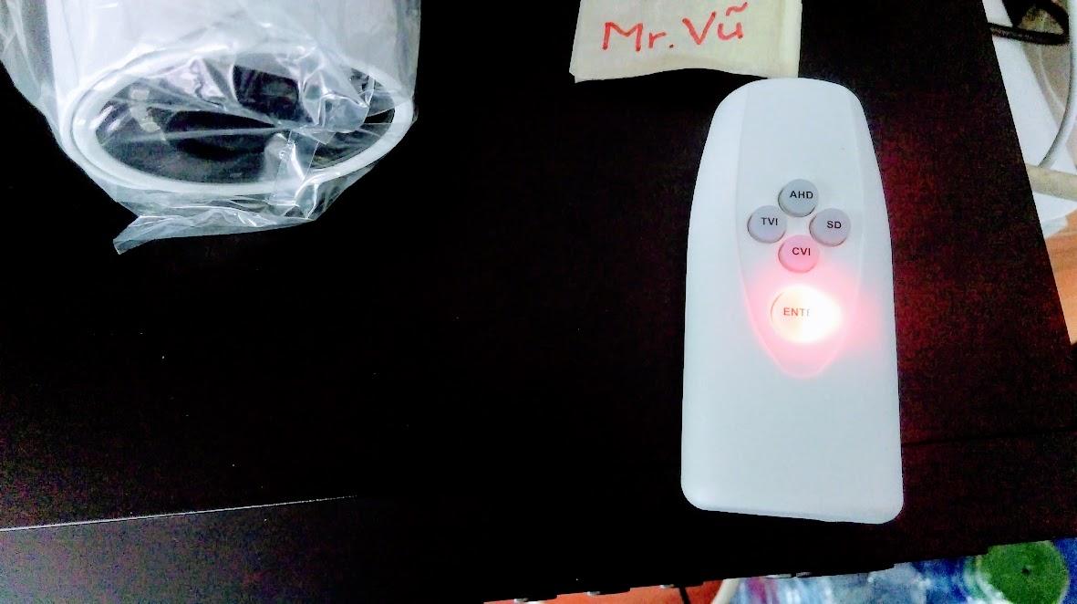 Màu đỏ trên UTC Controller là chuẩn Analog