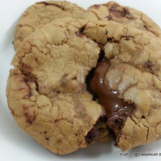 CHOCOLATE CHIP COOKIE WITH NUTELLA