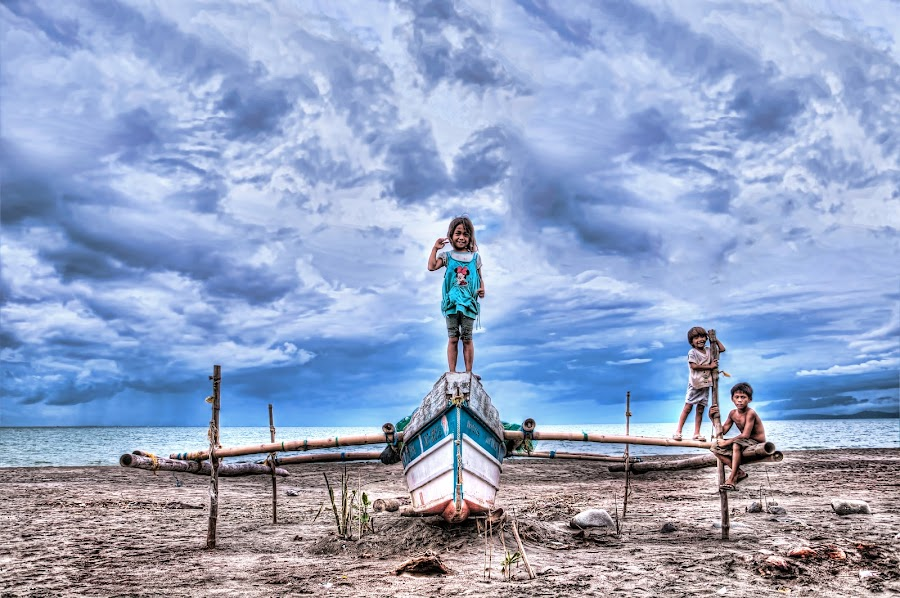 Boat with the kids by Eshwer Gonzales - People Street & Candids