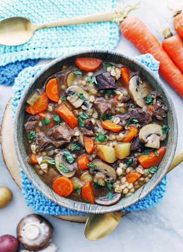 Instant Pot Beef Barley and Mushroom Soup