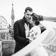 Wedding photographer Kseniya Mitrofanova (KsuCher). Photo of 01.02.2018