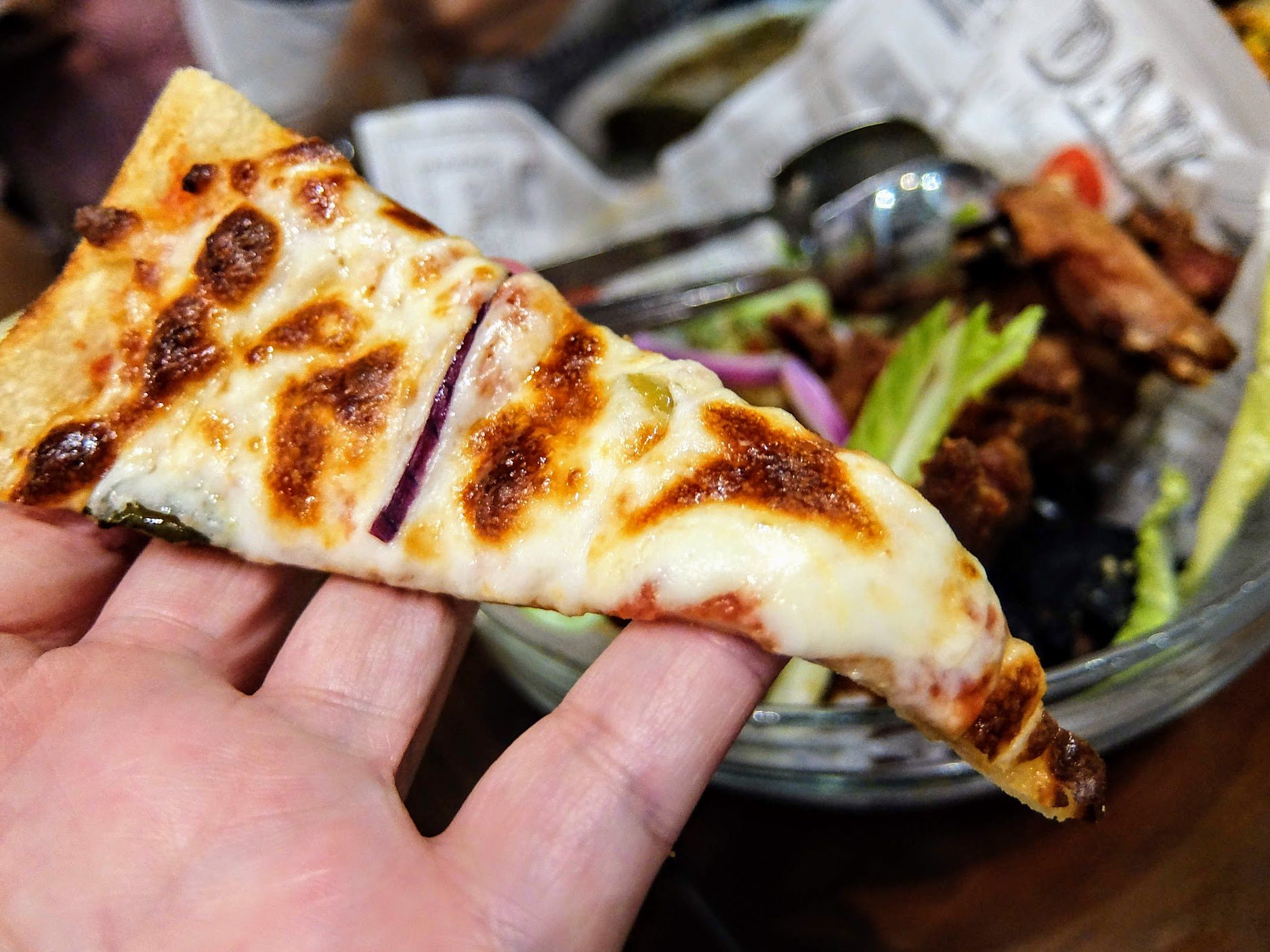 辣味的披薩,忘記是什麼口味了
