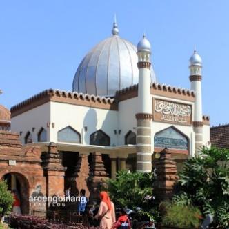 Hasil gambar untuk masjid menara kudus