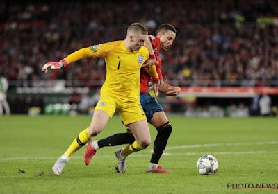 Jordan Pickford speelt bal kwijt aan Rodrigo met bizarre dribbel, penalty of niet?