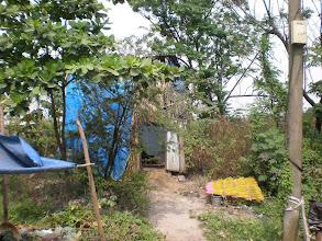 Photo: Nhà của Minh trên khu đất sắp giải tỏa ở Lái Thiêu, vợ Minh làm nghề se nhang
