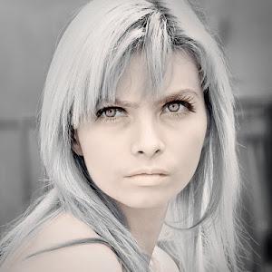 Claudia blend tone-2 ul.jpg