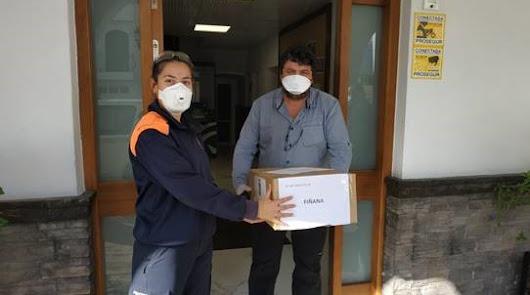 Diputación entrega a Fiñana 240 mascarillas y dos monos aislantes