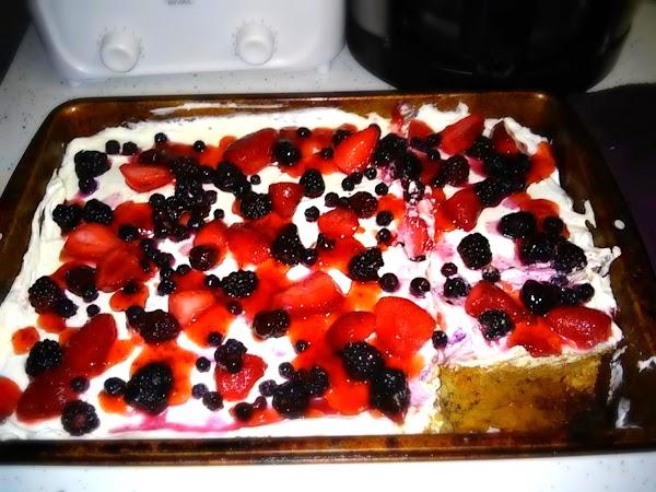 Fresh Summer Berry, Cream Cheese Bars Recipe
