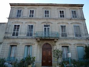 """Photo: avec sa résidence-hôtelière """"La Manadière"""""""