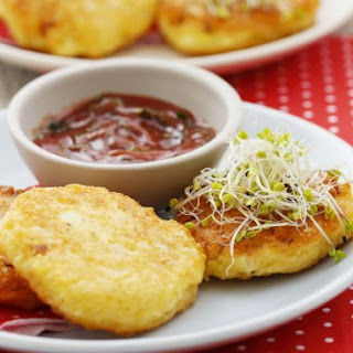 Cheese Patties with Dip
