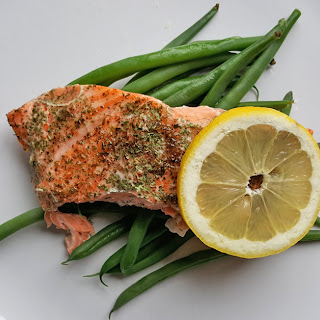 Easy Baked Salmon with Green Beans.