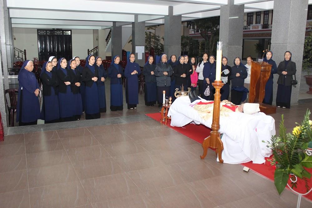 Các đoàn thể kính viếng Đức Cha Phaolô mới qua đời - Ảnh minh hoạ 17