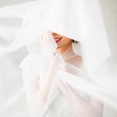 Wedding photographer Elena Andreychuk (pani-helen). Photo of 01.03.2016