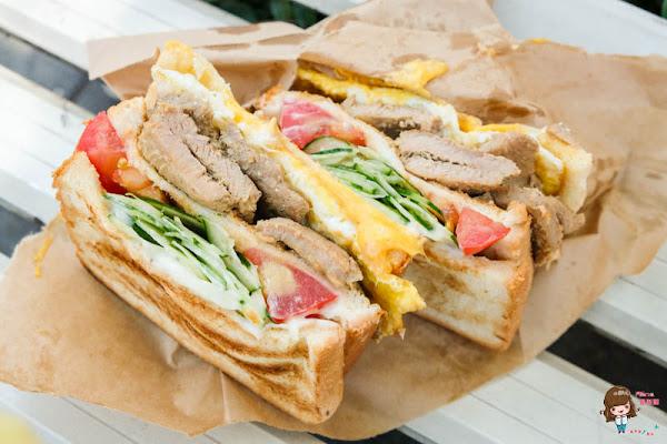 台北忠孝新生 阿姐的店碳烤三明治 超大豬排起司蛋炭火烤吐司