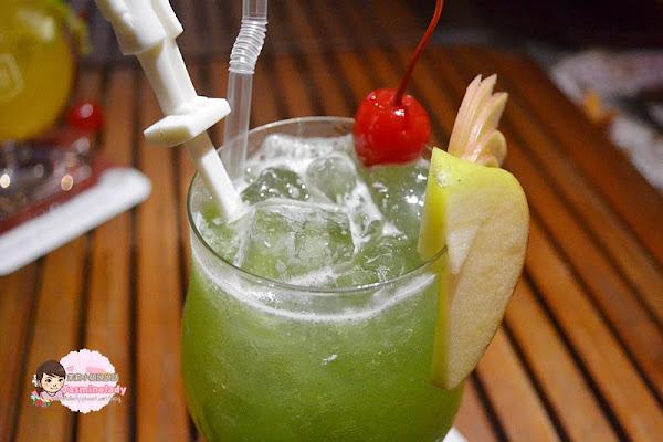 Bark2輕餐食酒館(台南公園店)│80幾年老屋裡「酒飲喝到飽」每週三女生半價,每週五學生半價!