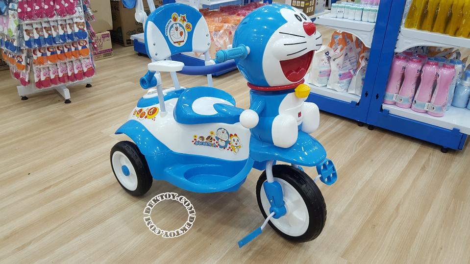 รถสามล้อเด็กหน้าโดราเอมอนก้นใหญ่ สีฟ้า BCDM904-1-2.png