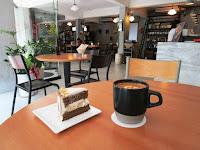 Charming Chat Café