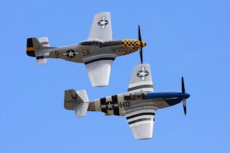 Photo: P-51C (dole) a P-51D