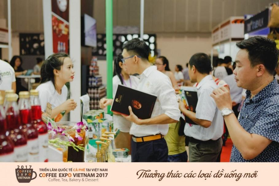 http://base.tapchithoitrangtre.com.vn/timthumb.php?src=images/Content/tin-tuc/cap-nhat/2017_05_w5/coffee_expo/2.jpg&w=1000&h=667&zc=1&q=90