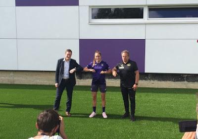 """Tessa Wullaert officieel voorgesteld: """"Anderlecht de beste ploeg van België"""""""