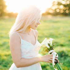Wedding photographer Marina Trepalina (MRNkadr). Photo of 24.08.2017
