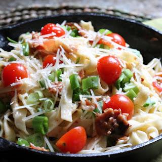 Delicious Pasta Carbonara with Bacon and Garlic