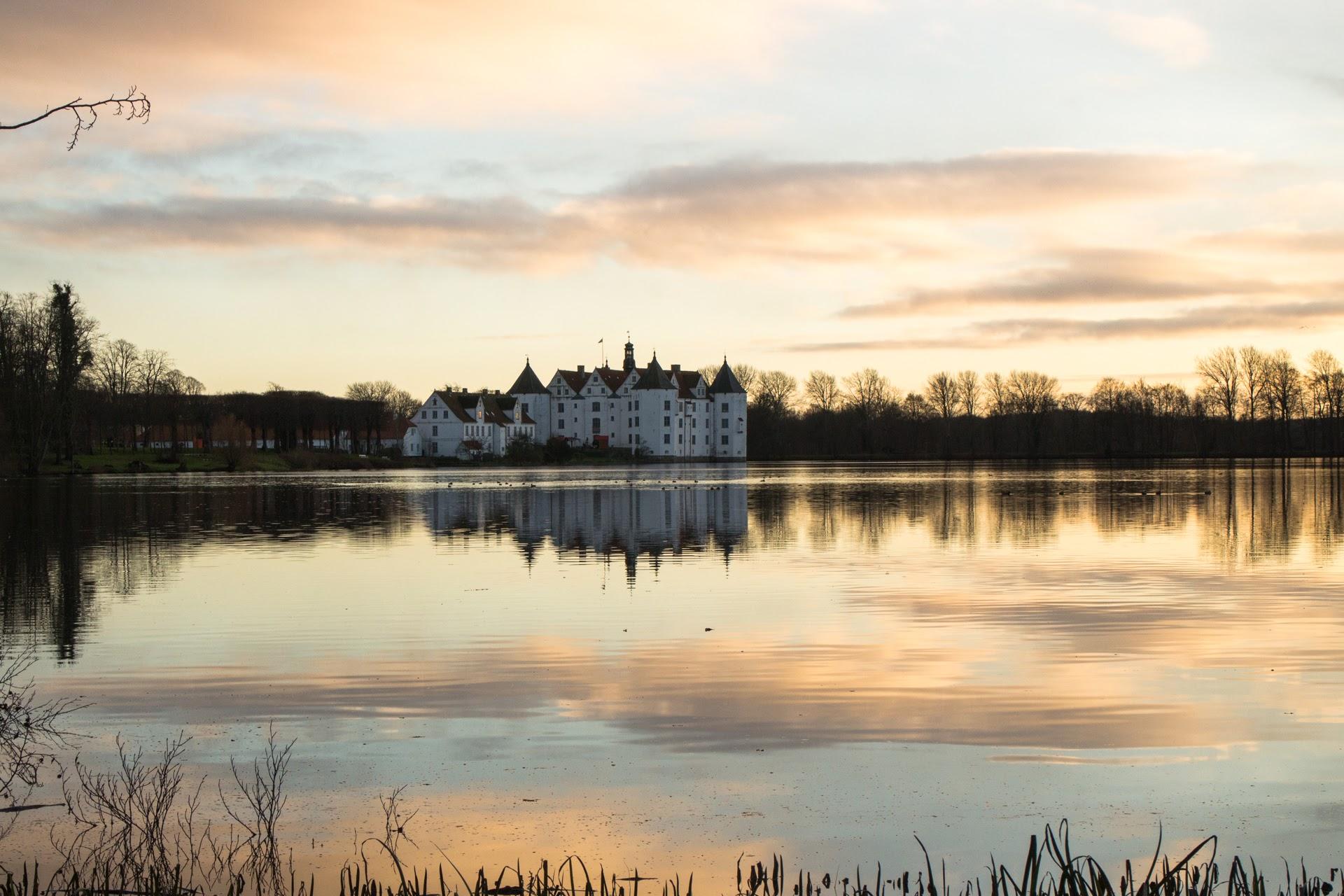 Lyksborg slot i skumringen