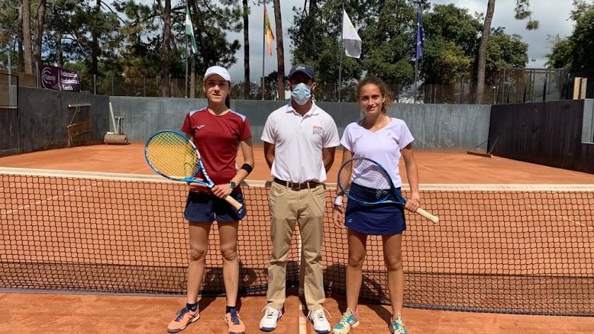 El Club de Tenis Almería vuelve a reinar en el tenis femenino andaluz en categoría júnior.