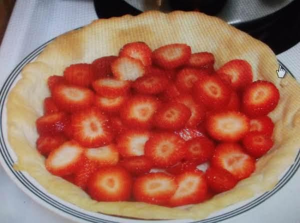 Easy Breezy Strawberry Pie