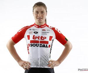 ? Lotte Kopecky knalt alle sprintsters los uit het wiel