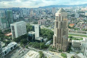 Photo: Výhled z mostu mezi Petronas věžemi