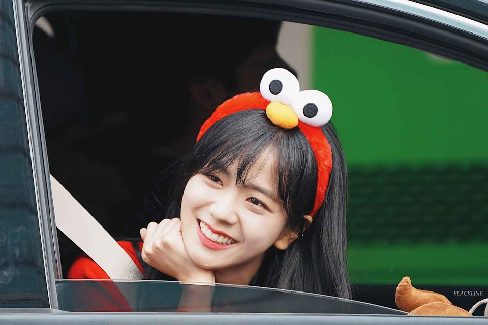 blackpink-jisoo-leaving-inkigayo-2018-6