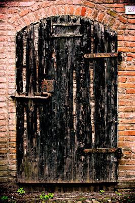 Porta Nera N.23 di lcanest