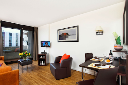 Boulevard de Neuilly serviced apartment