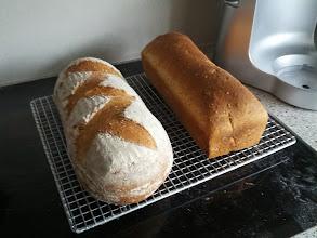 Photo: Volkoren Semolina brood van : http://uitdekeukenvanarden.blogspot.nl/2008/08/volkoren-semolinabrood.html