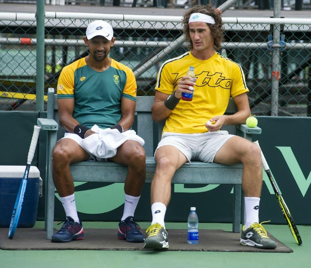 Lloyd Harris en Raven Klaasen, die voorpunt van SA, se Davis Cup-das