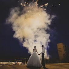 Wedding photographer Andrey Rozhnov (AndrR). Photo of 03.10.2013