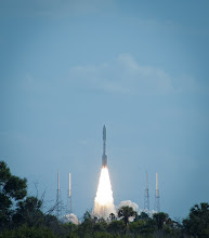 Photo: Launch of Atlas 541 rocket carrying the Mars Science Laboratory (Curiosity rover) from Space Launch Complex 41, Cape Canaveral Air Force Station, Fla., Nikon D70 at f/8, 1/2000, ISO200, 300mm on AF Zoom-Nikkor 70-300mm f/4-5.6G, Nov. 26, 2011.