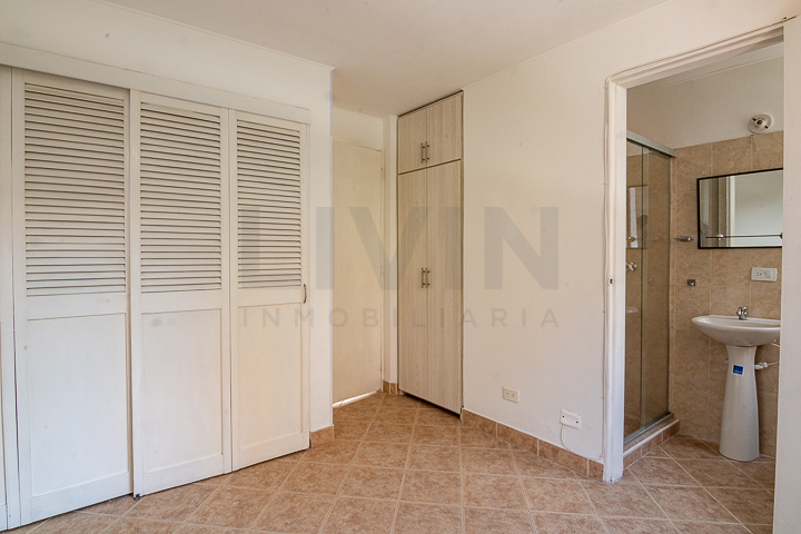 apartamento en arriendo loma del inidio 494-3200