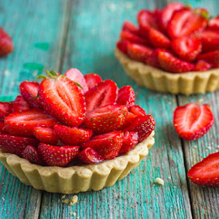 Hungry Girl's Wonton Strawberry Cups.