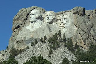 Photo: Mount Rushmore